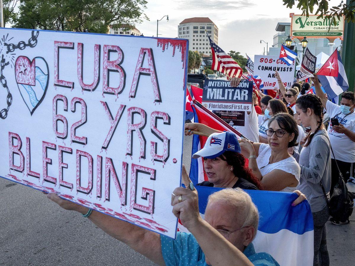 Foto: Manifestación en apoyo de las protestas en Cuba en Miami (EEUU). (EFE)