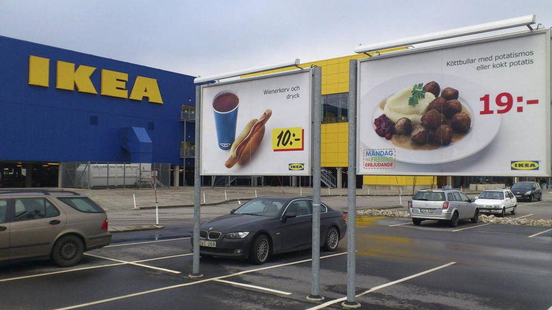 Foto: Carteles publicitarios de comida en Ikea. (EFE)