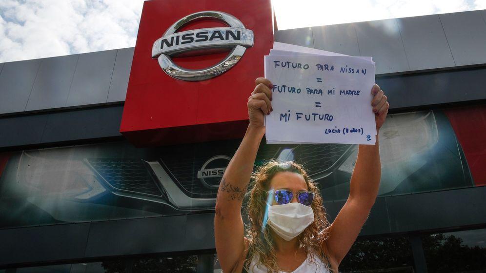 Foto: Trabajadores protestan por el cierre de Nissan en Barcelona. (EFE)