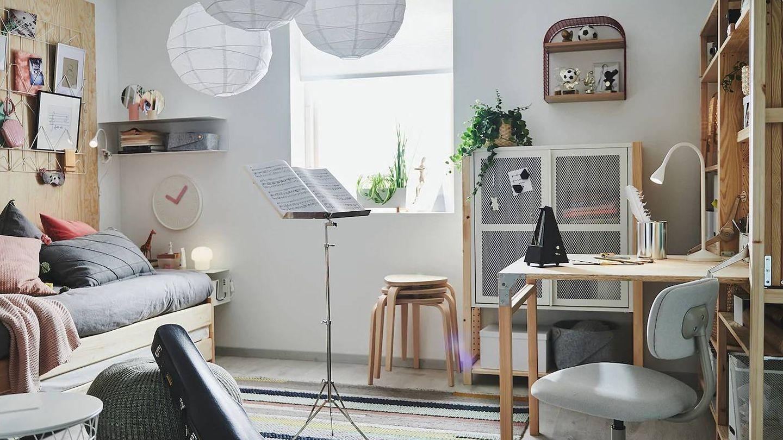 El taburete de Ikea se apila para ocupar menos espacio. (Cortesía)