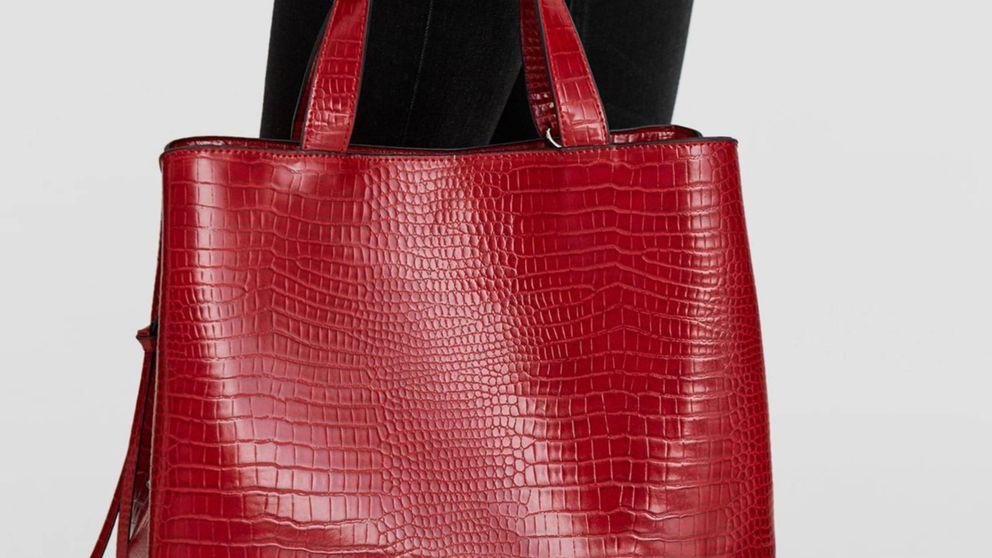 Stradivarius tiene el bolso más elegante para llevar el portátil al trabajo o a clase
