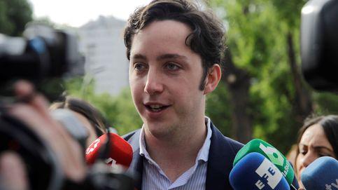 Tres años de cárcel para el pequeño Nicolás por hacerse pasar por alto cargo