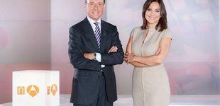 Post de Indignación por un titular de Prats y Mónica Carrillo en 'Antena 3 Noticias'