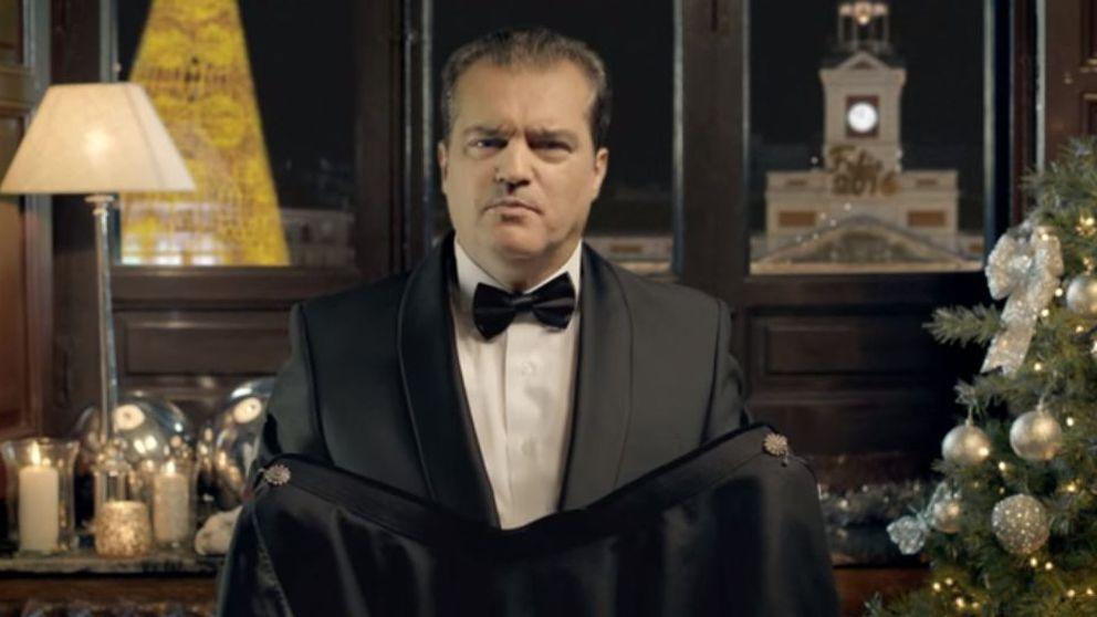 Ramón García reniega de su capa en un anuncio de jamón