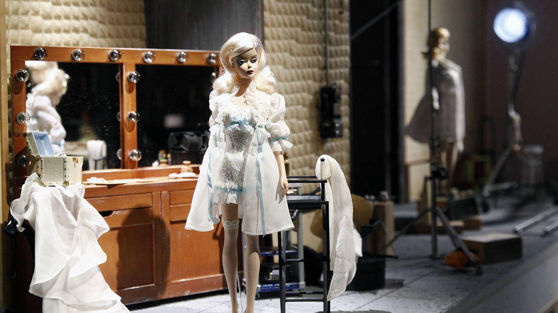Probar los tratamientos de belleza en una Barbie, la tendencia de moda en TikTok