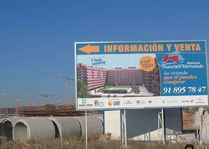 'El Pocero', de enhorabuena: entrega sus primeros580 pisos en Seseña y se codea con el Rey en Mallorca