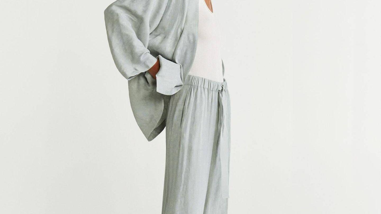 Pantalón y kimono de HyM. (Cortesía)