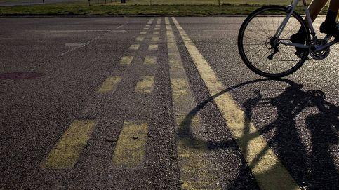 Un conductor se da a la fuga tras atropellar a un ciclista y logra esquivar a la policía