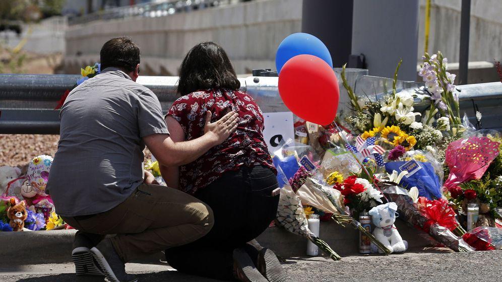 Foto: Un memorial a las víctimas en El Paso. (Reuters)