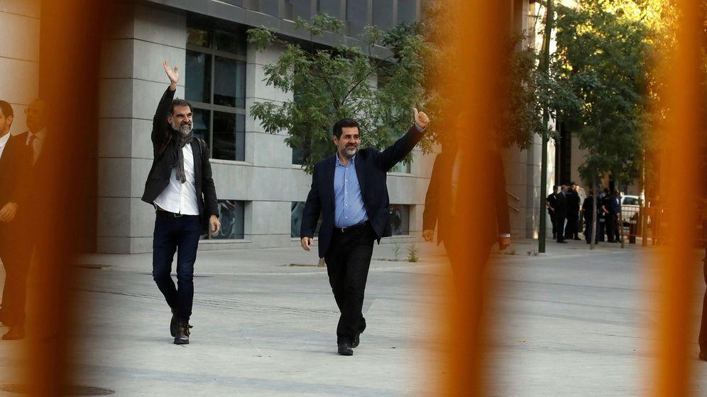 Foto: Jordi Sánchez (ANC) junto a Cuixart. (EFE)