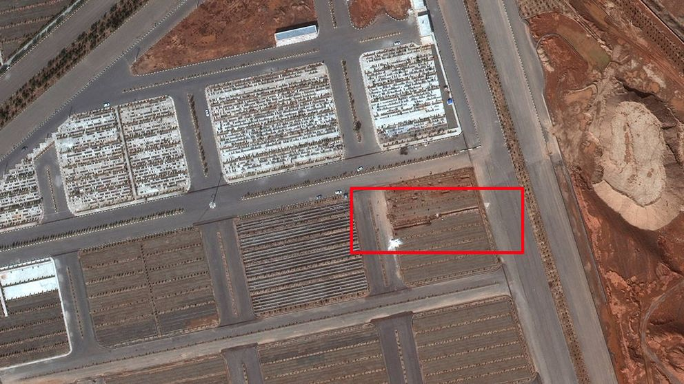 Irán construye fosas para los muertos por coronavirus que hasta se ven desde el espacio