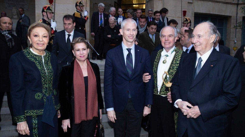 María Teresa de Luxemburgo, junto Farah Diba, Frédéric Mitterrand y Aga Khan. (David Atlan/Corte Ducal)