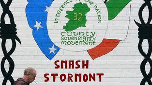 Jurar fidelidad a la Reina para detener el Brexit: el dilema imposible del Sinn Fein