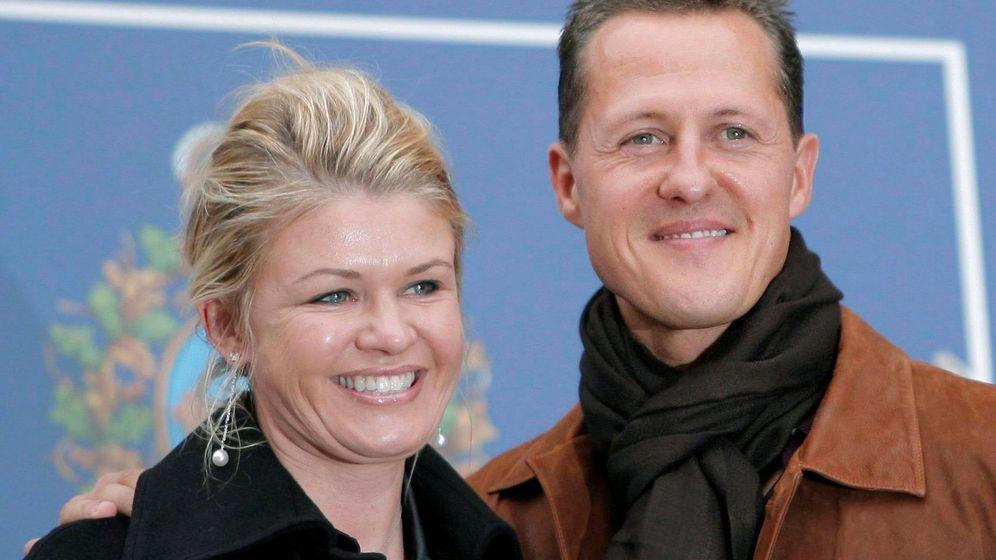 Foto: Michael Schumacher y su esposa en una imagen de archivo. (EFE)