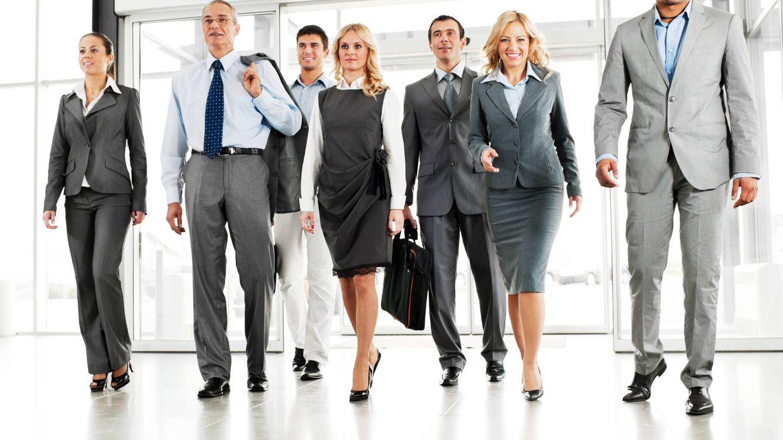 La decadencia del traje masculino: ya no está de moda en el trabajo