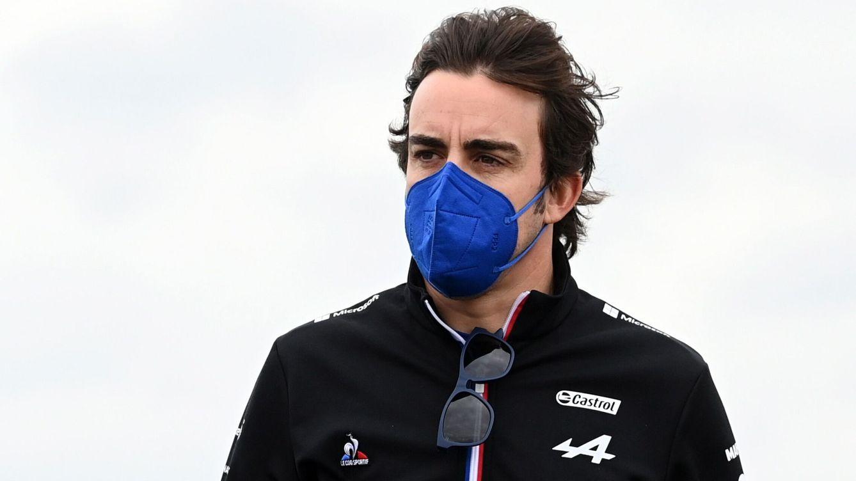 Fernando Alonso, a cuchillo sacado para pescar en el río revuelto de Silverstone