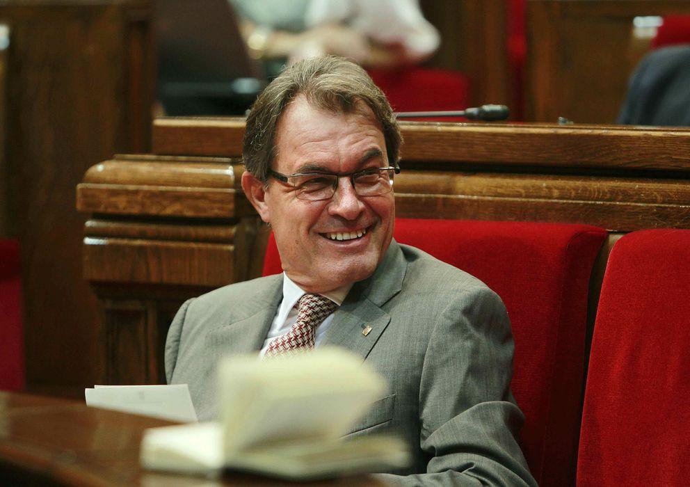 Foto: El presidente de la Generalitat, Artur Mas, sonríe durante la segunda jornada del debate de Política General. (EFE)