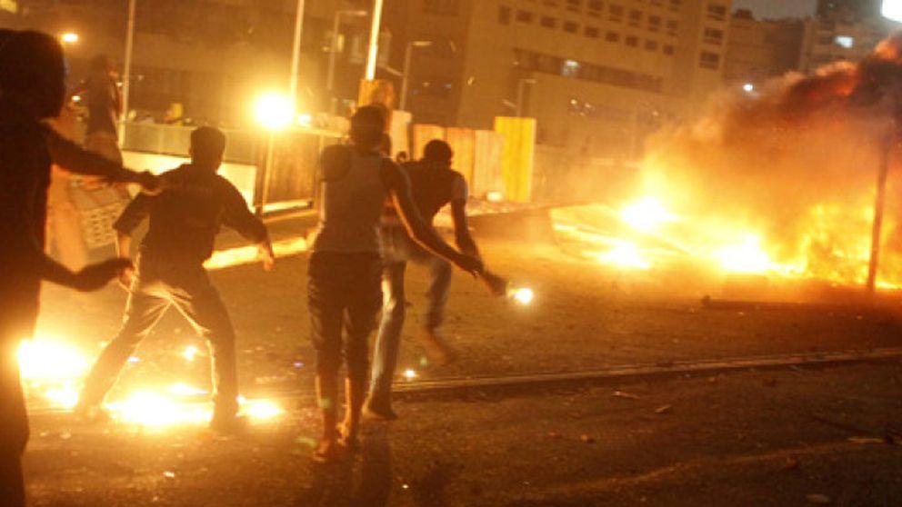 El temido 'viernes del rechazo' termina con una batalla campal en las calles de El Cairo