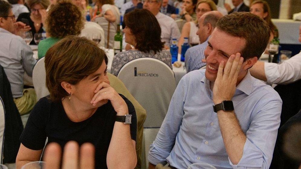 Foto: Los candidatos a la Presidencia del PP Pablo Casado y Soraya Sáenz de Santamaría, en la cena que celebró ayer el Grupo Popular. (PP)