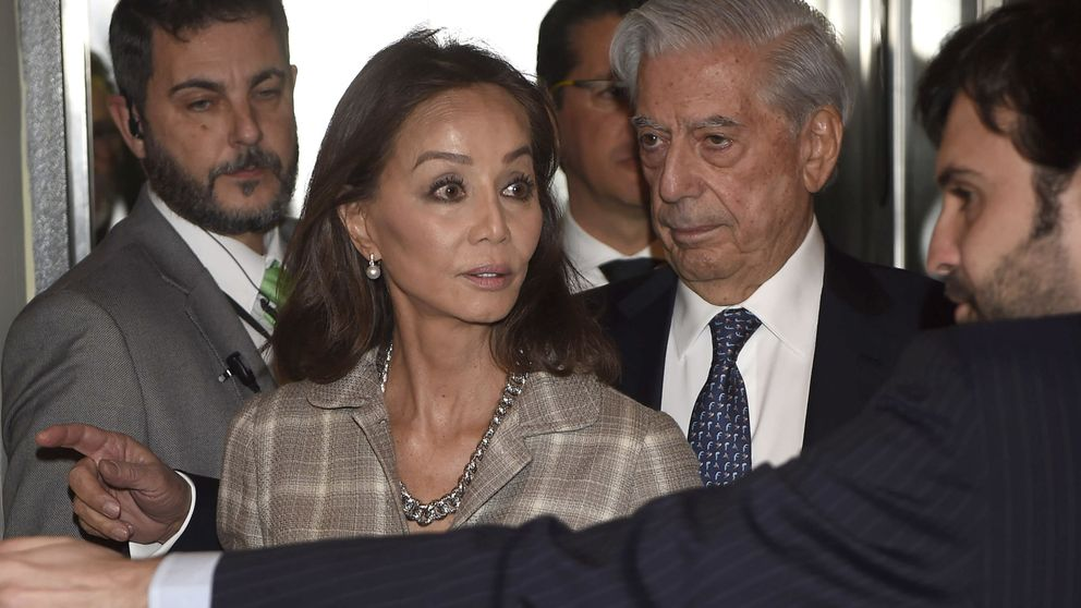 Isabel Preysler (y toda su panda), junto a Vargas Llosa y su última novela