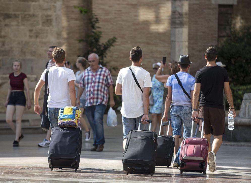 Foto: Según Ribó, tiene sentido que aporte más al fisco quien obtiene un rédito económico con su inmueble. (EFE)