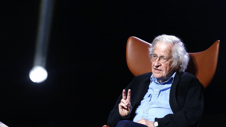 Chomsky y otras voces internacionales piden la libertad para presos en un vídeo