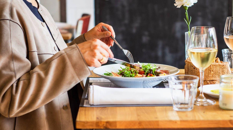 Alimentos para reducir la celulitis. (Louis Hansel para Unsplash)