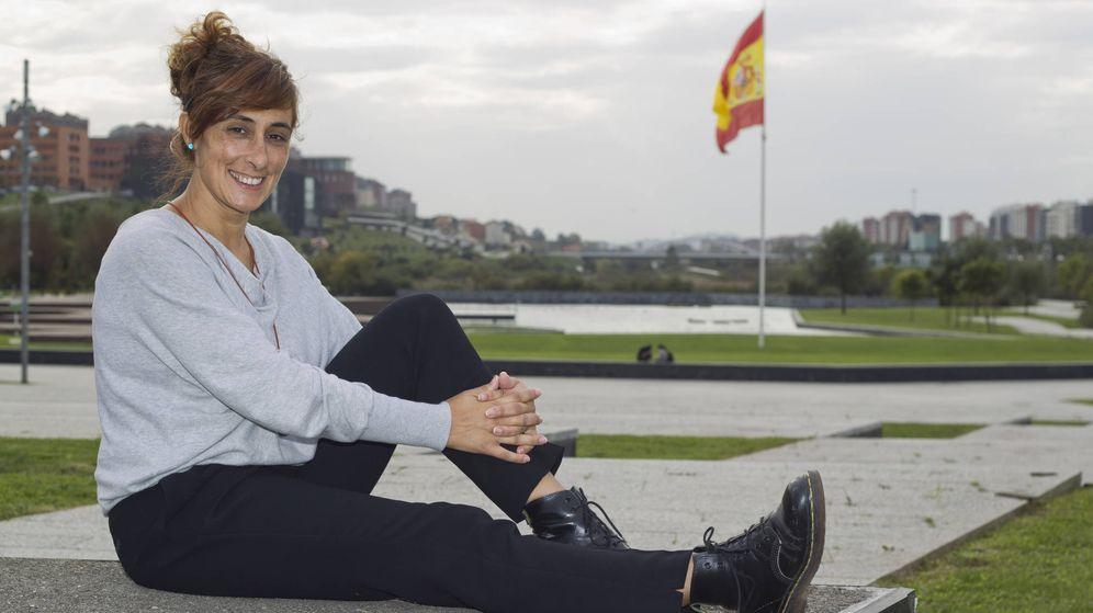 Foto: La guardia civil Pilar Villacorta, en Santander (David S. Bustamante)