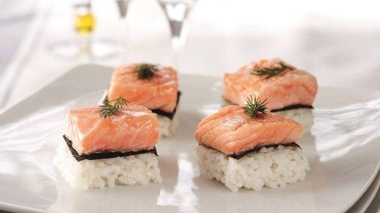 Maki de salmón en canapé. (APTC)