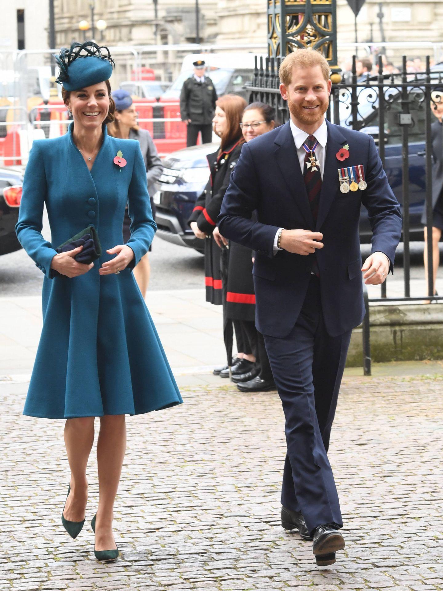 Kate Middleton y el príncipe Harry, en la abadía de Westminster. (Getty)