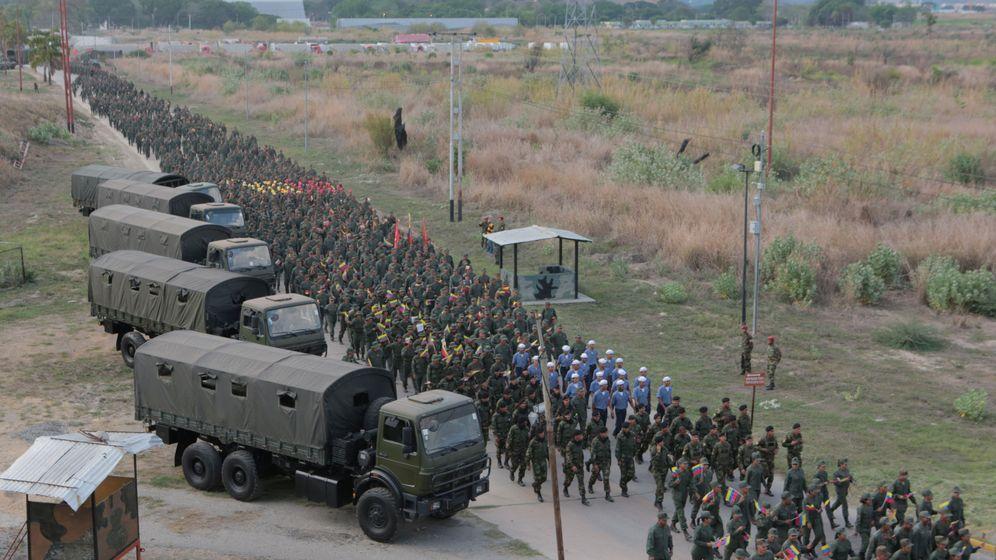 Foto: Soldados venezolanos en un acto militar. (Reuters)