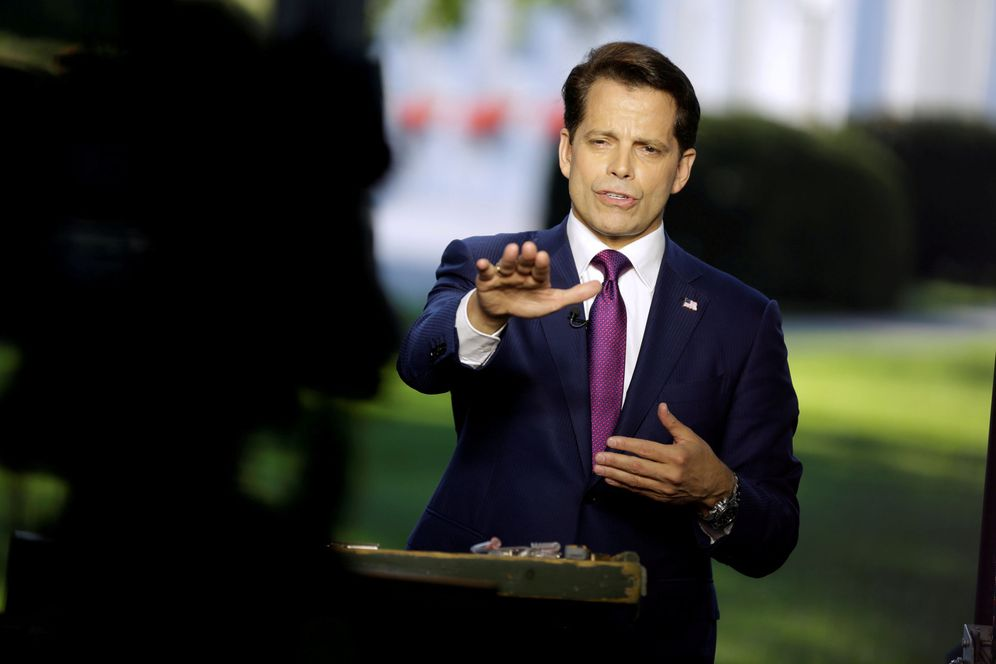 Foto: El director de comunicaciones Anthony Scaramucci es entrevistado en directo en la Casa Blanca, el 26 de julio de 2017. (Reuters)