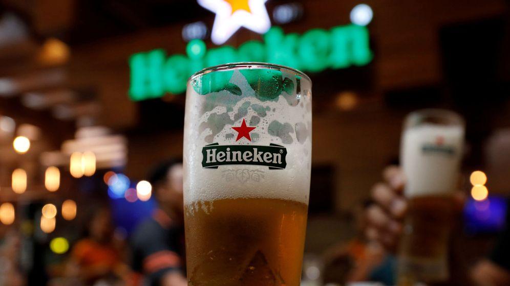 Foto: Cerveza Heineken, en un bar. (Reuters)