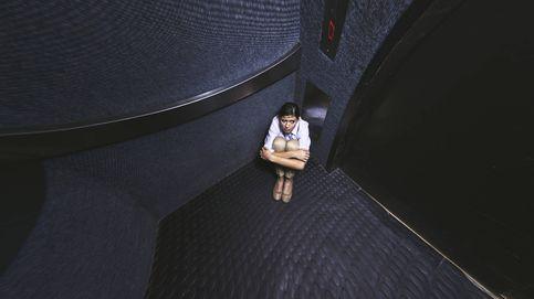 13 cosas que debes dejar de hacer (como pulsar 'cerrar puertas' en el ascensor)