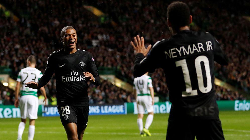 Foto: Mbappé y Neymar, dos de las tres patas del tridente ofensico del PSG. (Reuters)