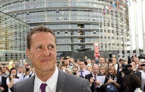 El piloto Michael Schumacher comienza a salir del coma