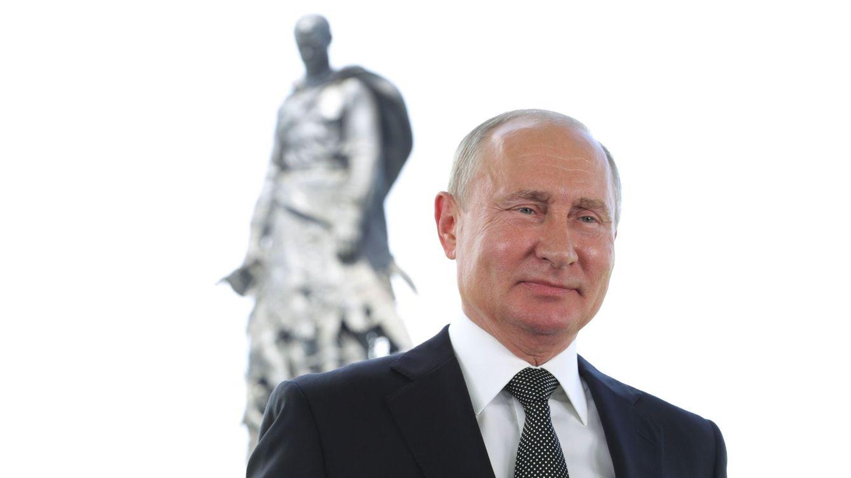 La cara de Vladimir Putin: grasa abdominal y bótox para la eternidad