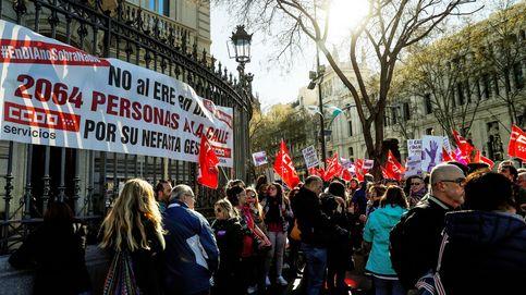 Junta caliente en DIA: la Policía impide que los trabajadores irrumpan en la sala