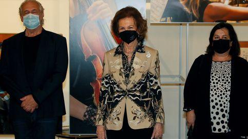 Doña Sofía vuelve a ser la reina de los estampados llamativos en sus últimos actos