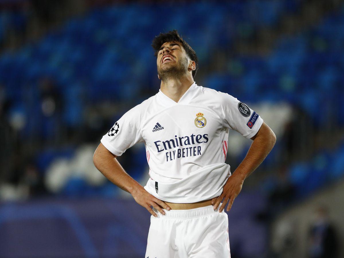 Foto: Marco Asensio se lamenta en una imagen de archivo. (Efe)