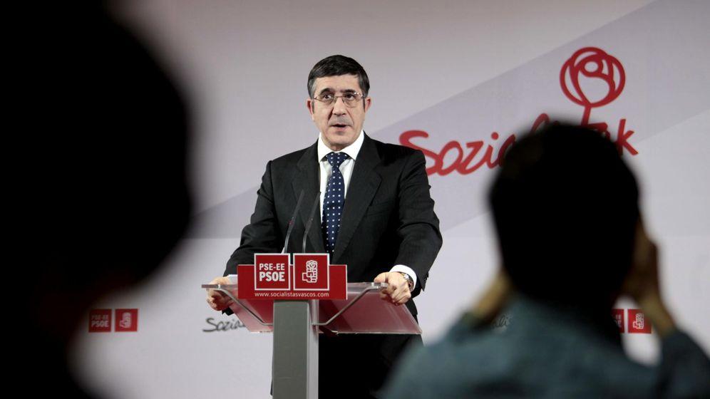 Foto: El secretario general del PSE, Patxi López, durante una comparecencia en Bilbao. (EFE)