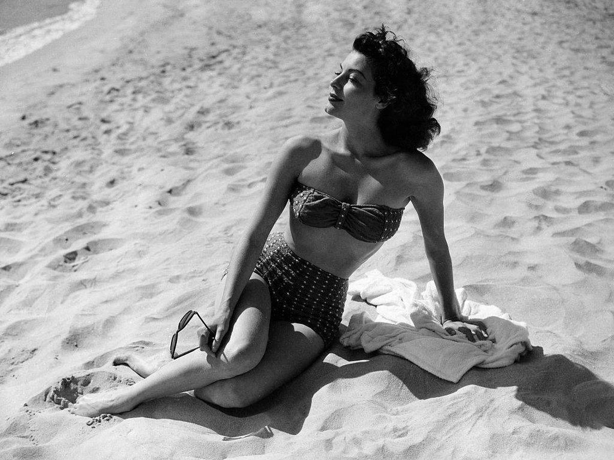 Foto: Ava Gardner, en la costa catalana durante el rodaje. (Getty)