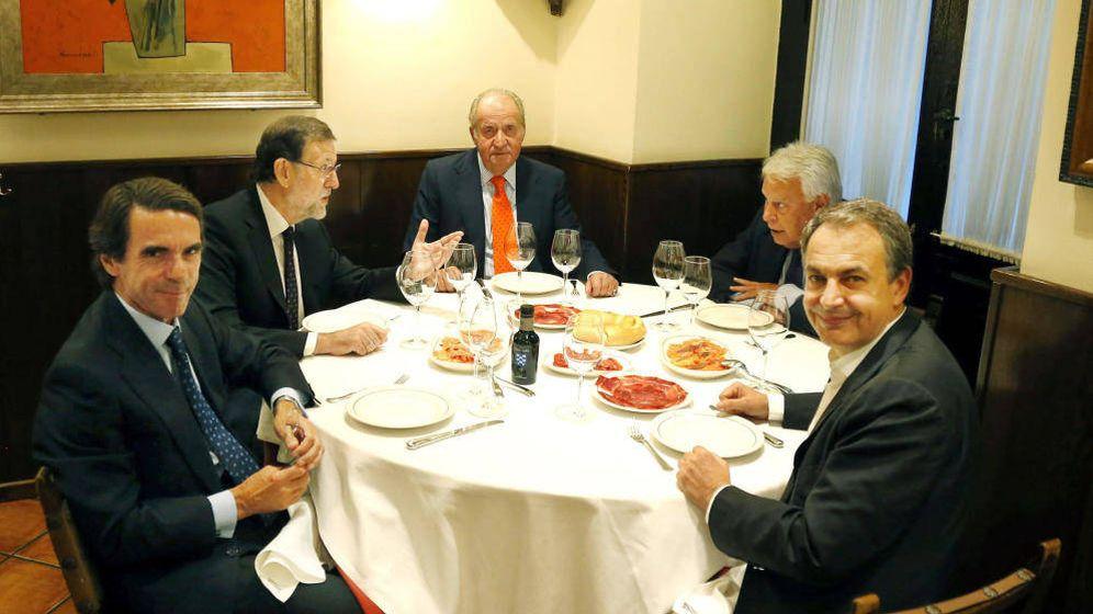Foto: José María Aznar, Mariano Rajoy, Juan Carlos de Borbón, Felipe González y José Luis Rodríguez Zapatero. (EFE)
