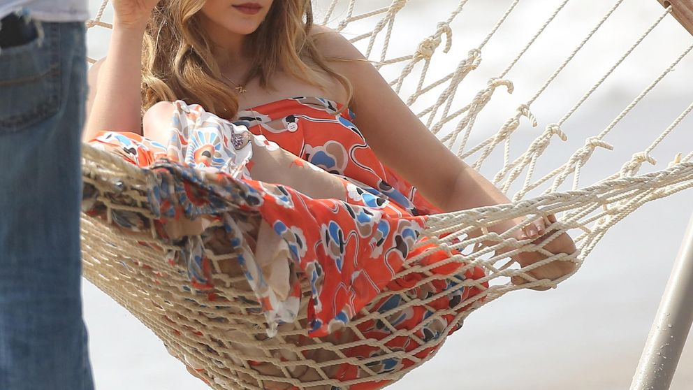 Elizabeth Olsen, una diosa helena en las playas de Malibú