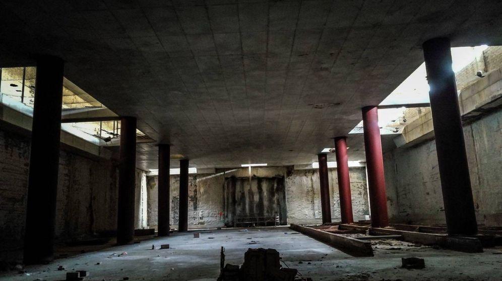 Foto: El vestíbulo a medio terminar de una de las estaciones que iba a tener el recorrido.