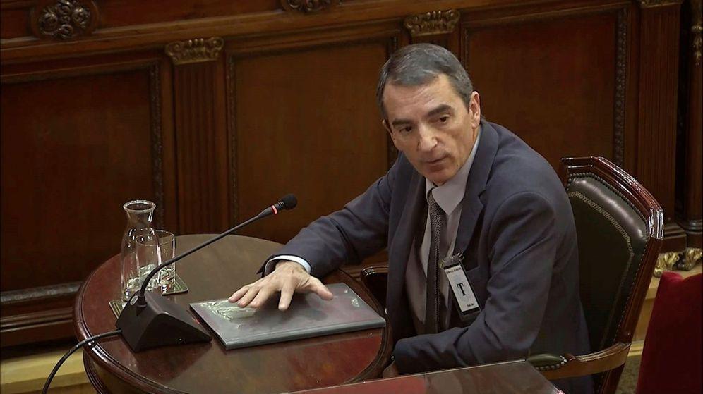 Foto: El comisario Joan Carles Molinero, como testigo en el juicio al 'procés' en el Supremo.(EFE)