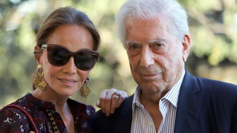 Con Preysler, Casado, Almeida y Rivera sin Malú: así ha sido la fiesta de apoyo a Vargas Llosa