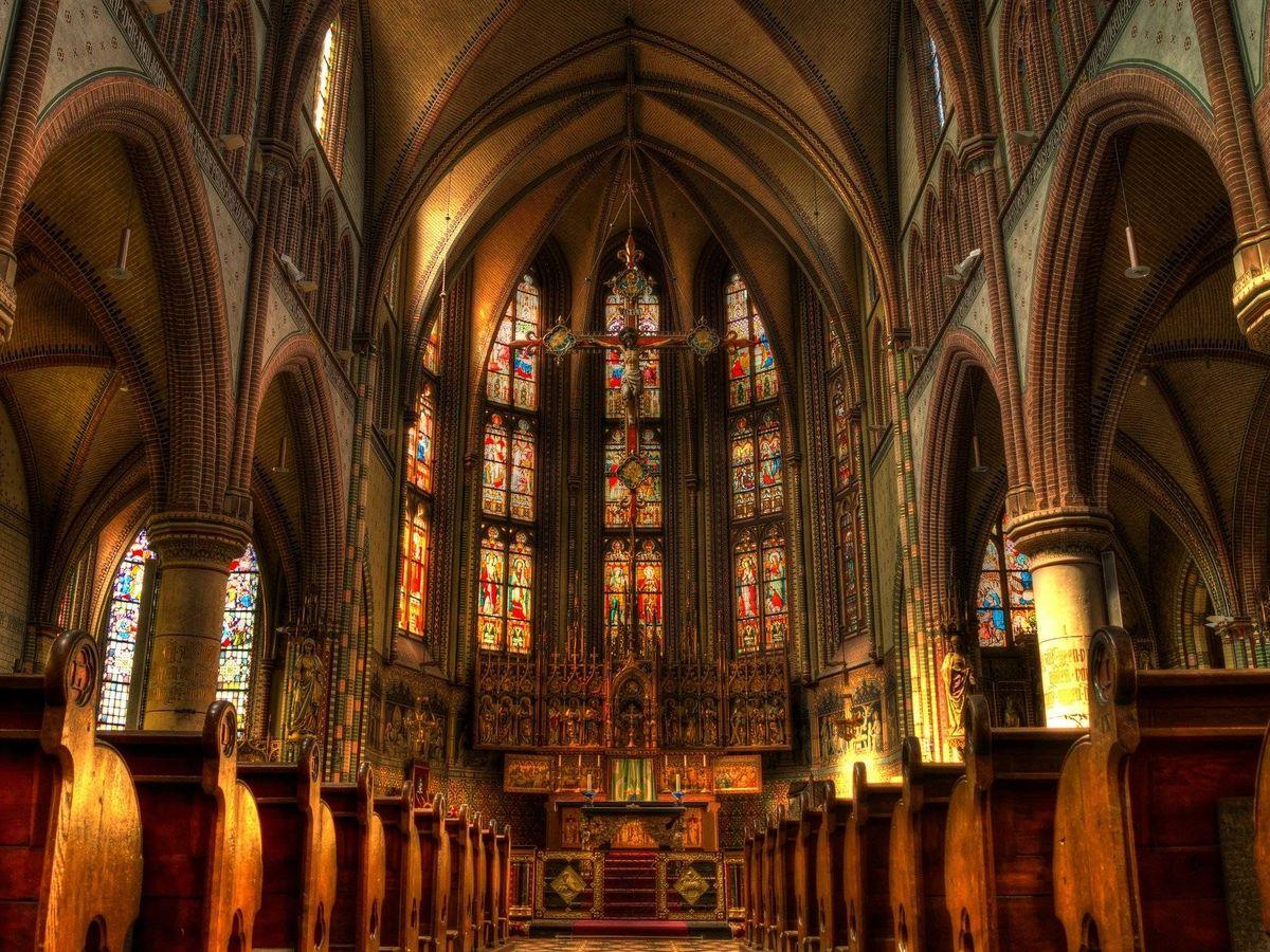 Foto: Interior de una iglesia (Pixabay)