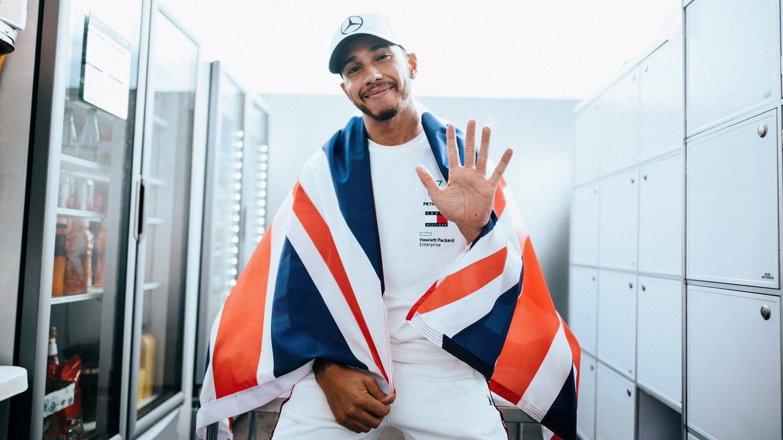 Cinco de Hamilton. (@LewisHamilton)