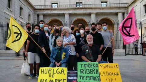 Pasar hambre para frenar la extinción: el ayuno de dos ecologistas en protesta por el clima